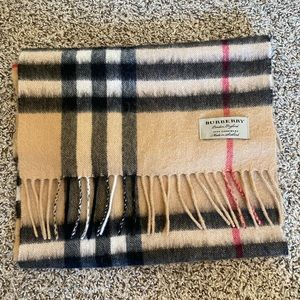 Authentic Burberry 100% cashmere scarf in camel